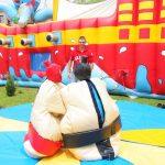 zabawa sumo na pikniku
