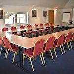 sala konferencyjna na poddaszu